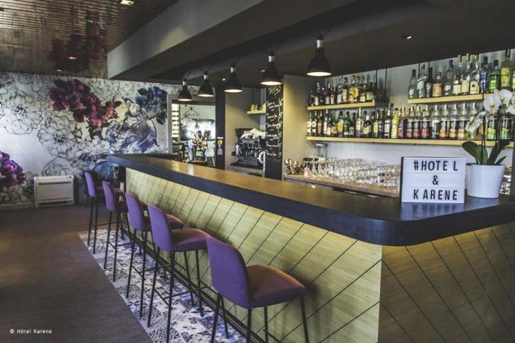 comptoir de bar de l'hôtel Karene par Vallon Faure