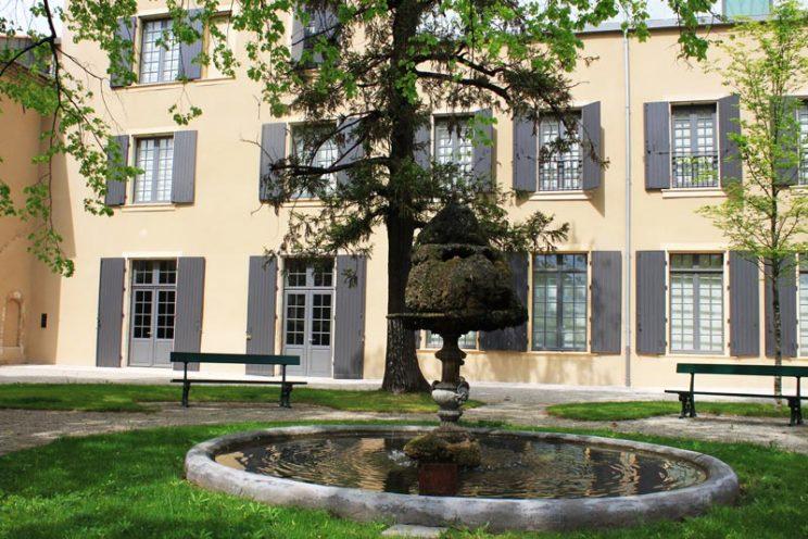 Musée de valence menuiserie extérieure par Vallon Faure