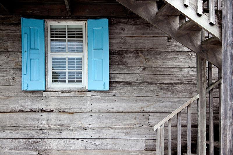 Fenêtre et bardage bois, les atouts du bois par Vallon Faure
