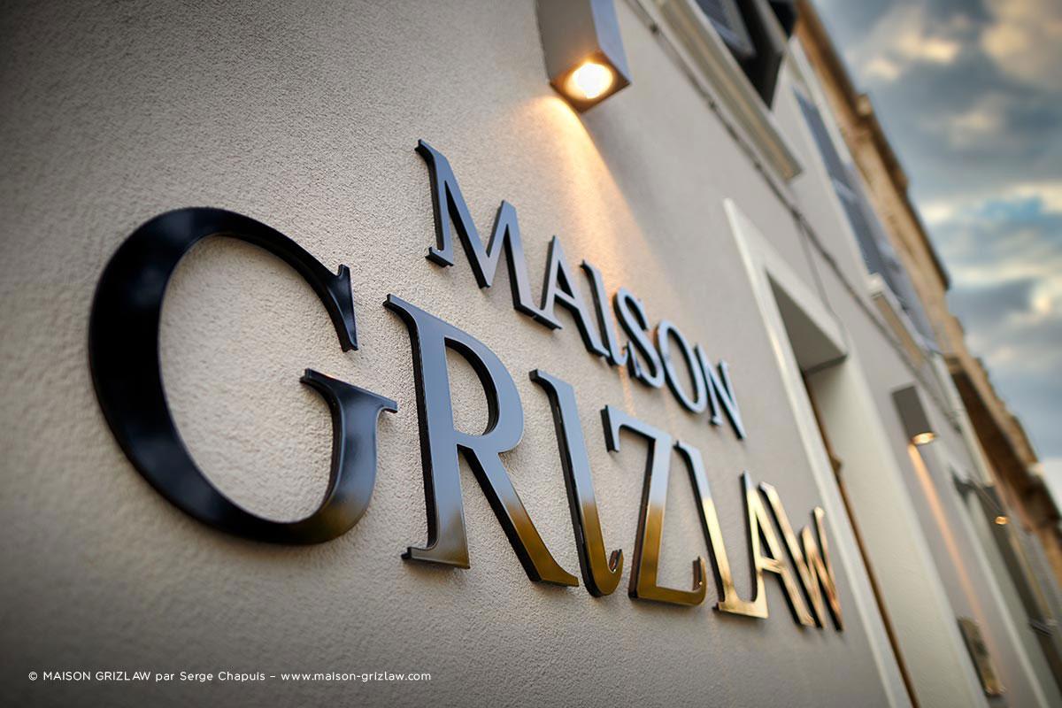 Inauguration du restaurant La Maison Grizlaw avec la participation de Vallon faure