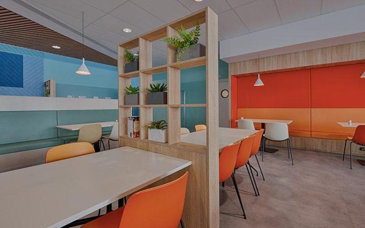 A la une, les séparations d'espace avec les meubles en bois par Vallon Faure