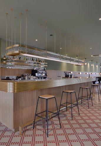 Comptoir de bar pour séparer les espaces