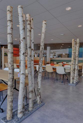 Claustra en troncs d'arbres par Vallon Faure