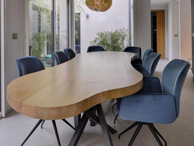 Une finition verni pour protéger votre mobilier contre les agressions quotidiennes par Vallon Faure