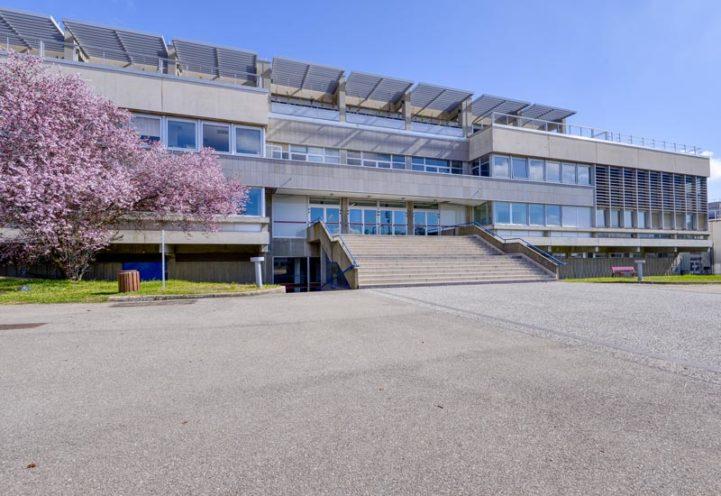A la une, la réhabilitation de l'École Centrale Lyon par Vallon Faure