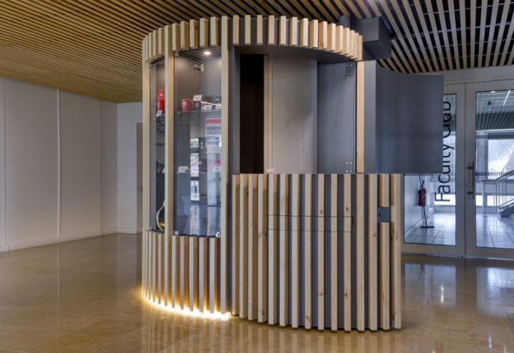 Agencement et menuiserie à l'Ecole centrale de Lyon - par Vallon Faure