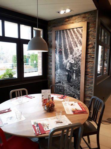 Table ronde pour l'agencement d'un restaurant à Valence
